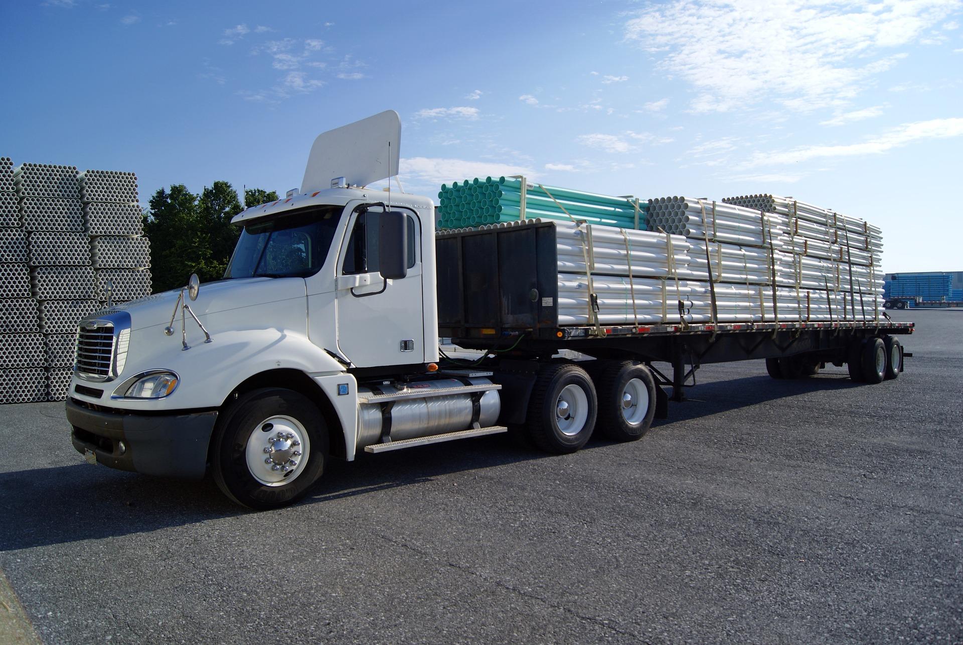 Voor deze en andere trucks mag HLS Flex personeel bemiddelen